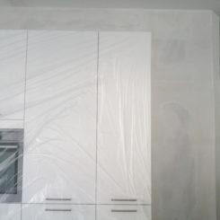 Küche, Schrankverkleidung und Trockenbauwand